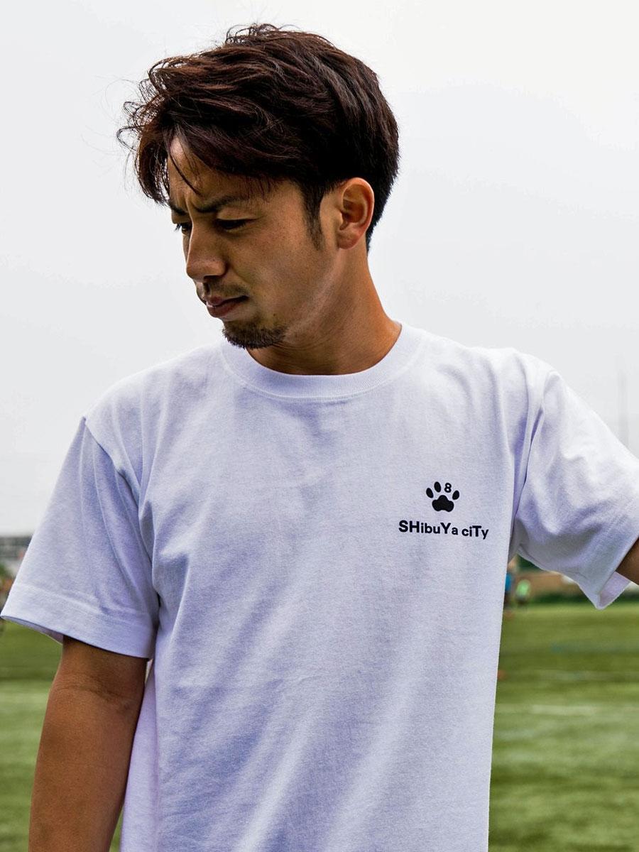 今季加入した宮崎泰右選手(写真)のアパレルブランドとコラボレーションしたTシャツ