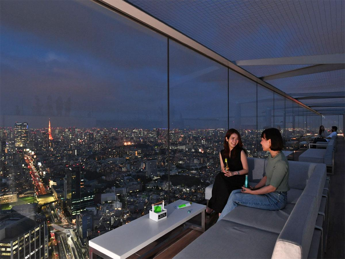 飲食しながら渋谷の夜景を楽しめる(写真はイメージ)