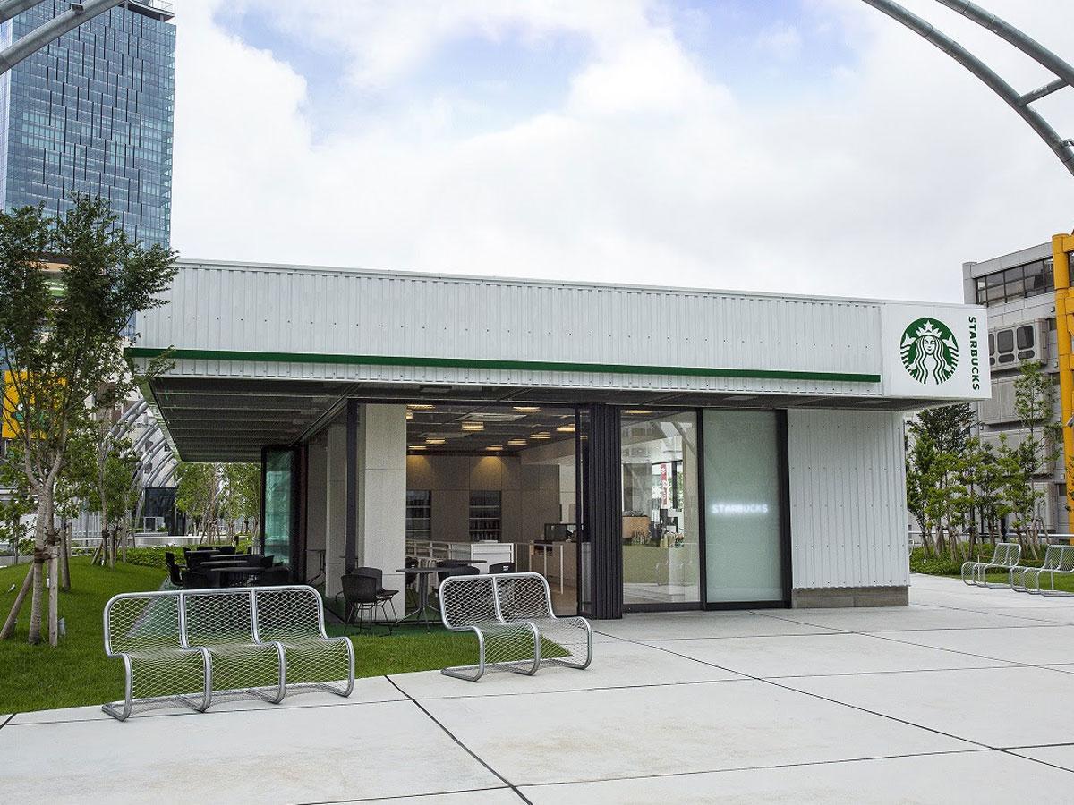 「海外のガソリンスタンド」をコンセプトにした店舗の外観