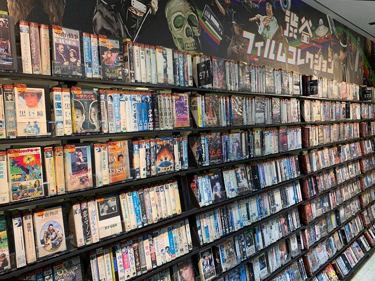 ビデオテープ約6000本を集積する「渋谷フィルムフィルムコレクション」