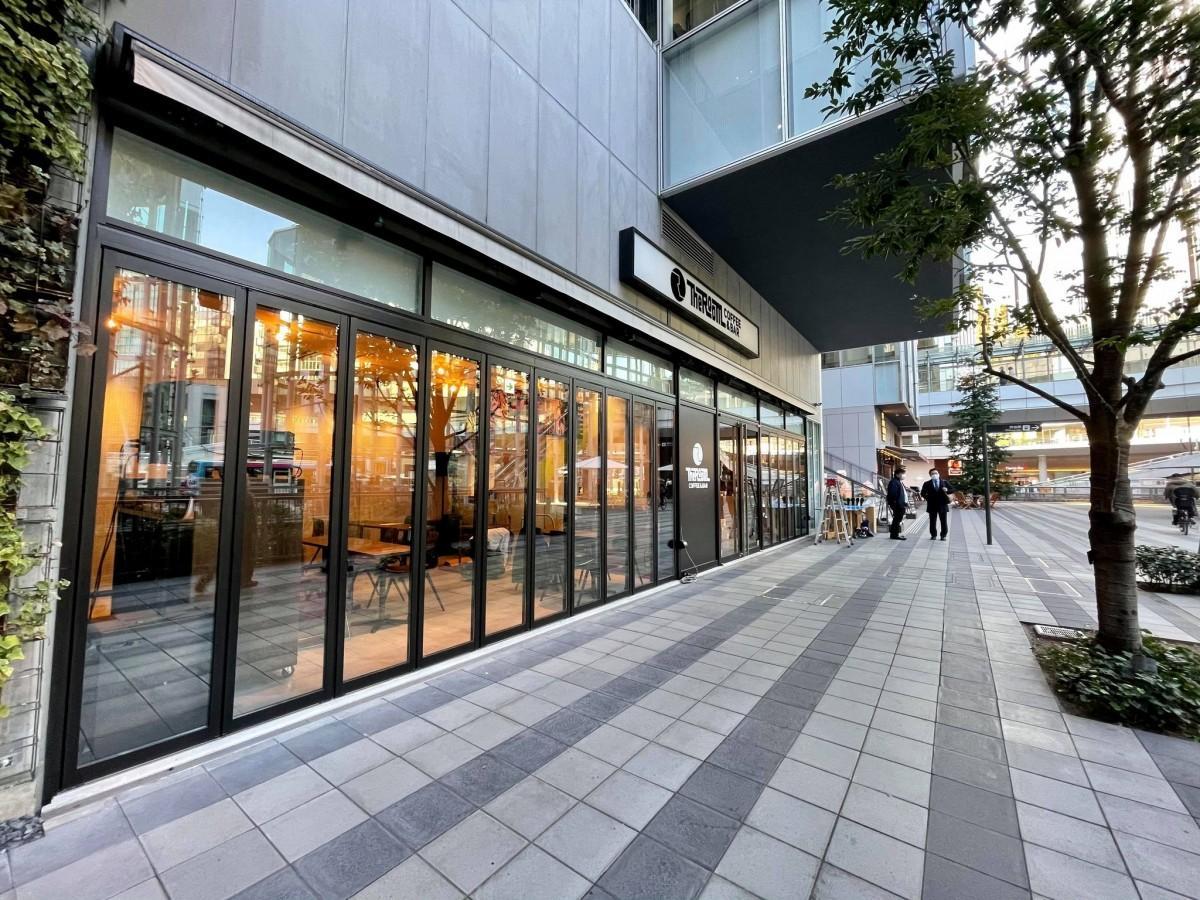 渋谷ストリーム・稲荷橋広場に面する店舗
