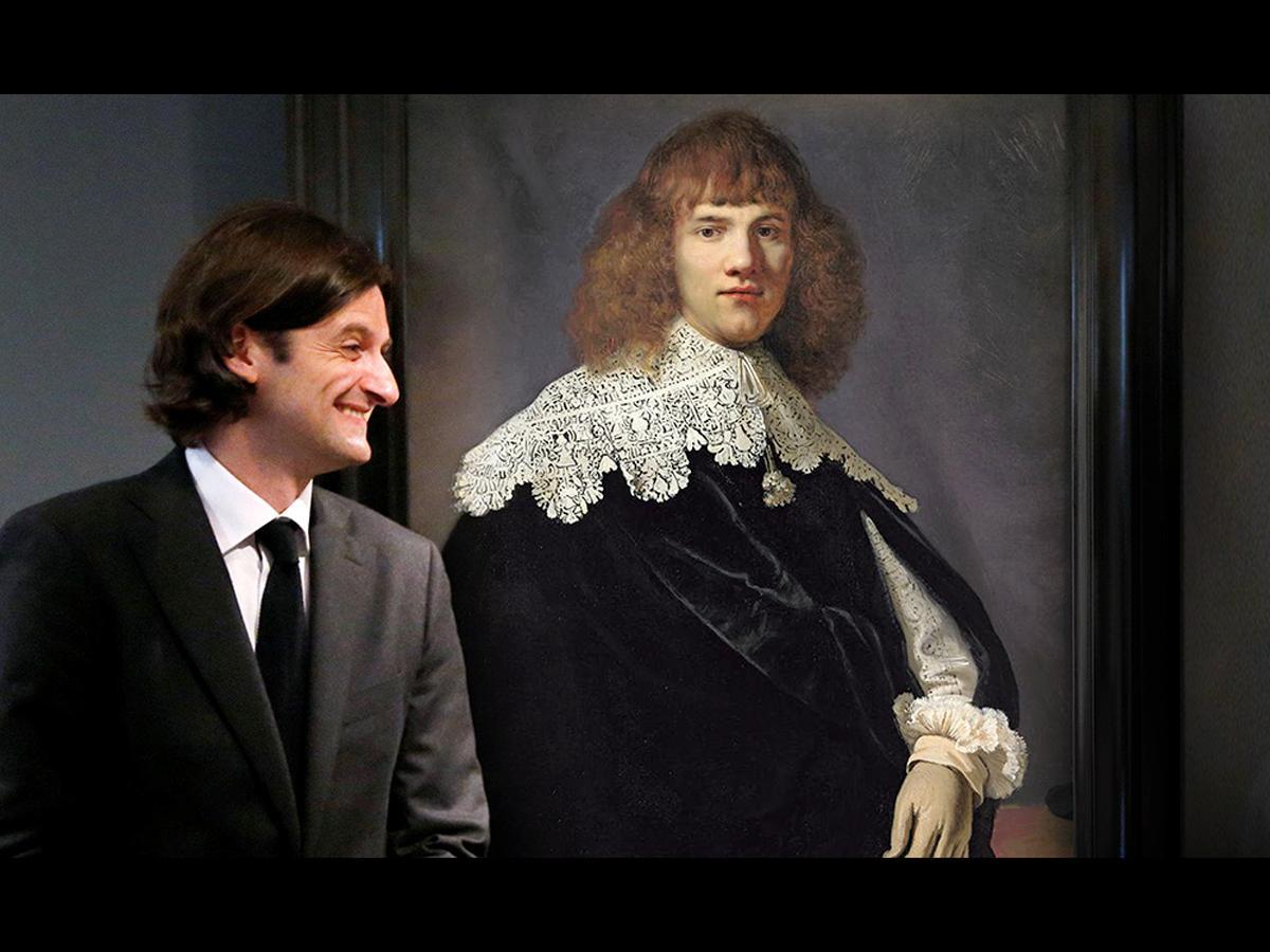44年ぶりに発見されたレンブラントの新たな肖像画「若い紳士の肖像」と画商ヤン・シックスさん。映画「レンブラントは誰の手に」より©2019 DiscoursFilm