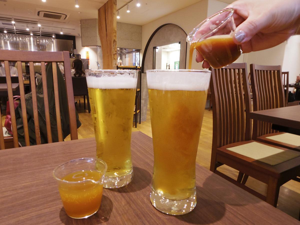 台湾茶を来店客自身が注ぐスタイルで提供する「ティービール」