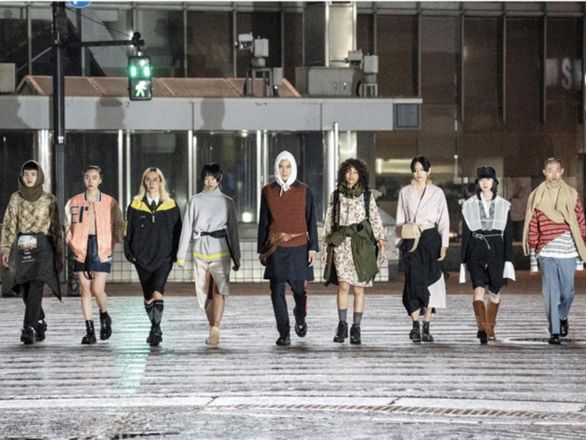 渋谷駅前スクランブル交差点で行ったコーディネートショーの動画より