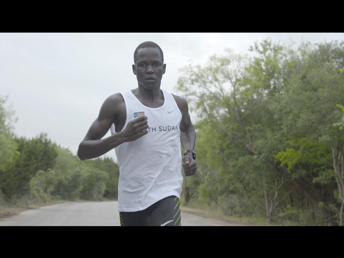 難民からオリンピック選手になったグオル・マリアルさん©Bill Gallagher