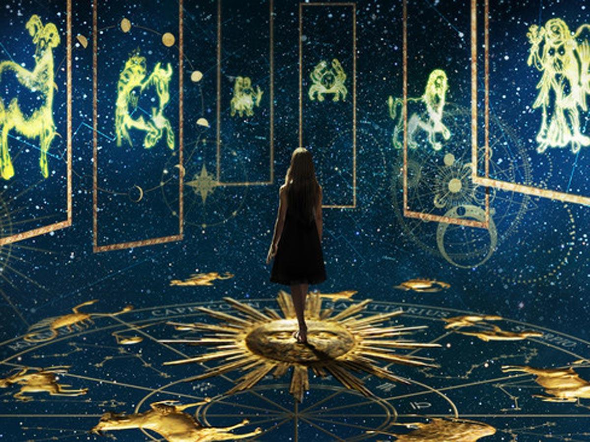 西洋占星術を取り入れる「HOROSCOPE」のイメージ