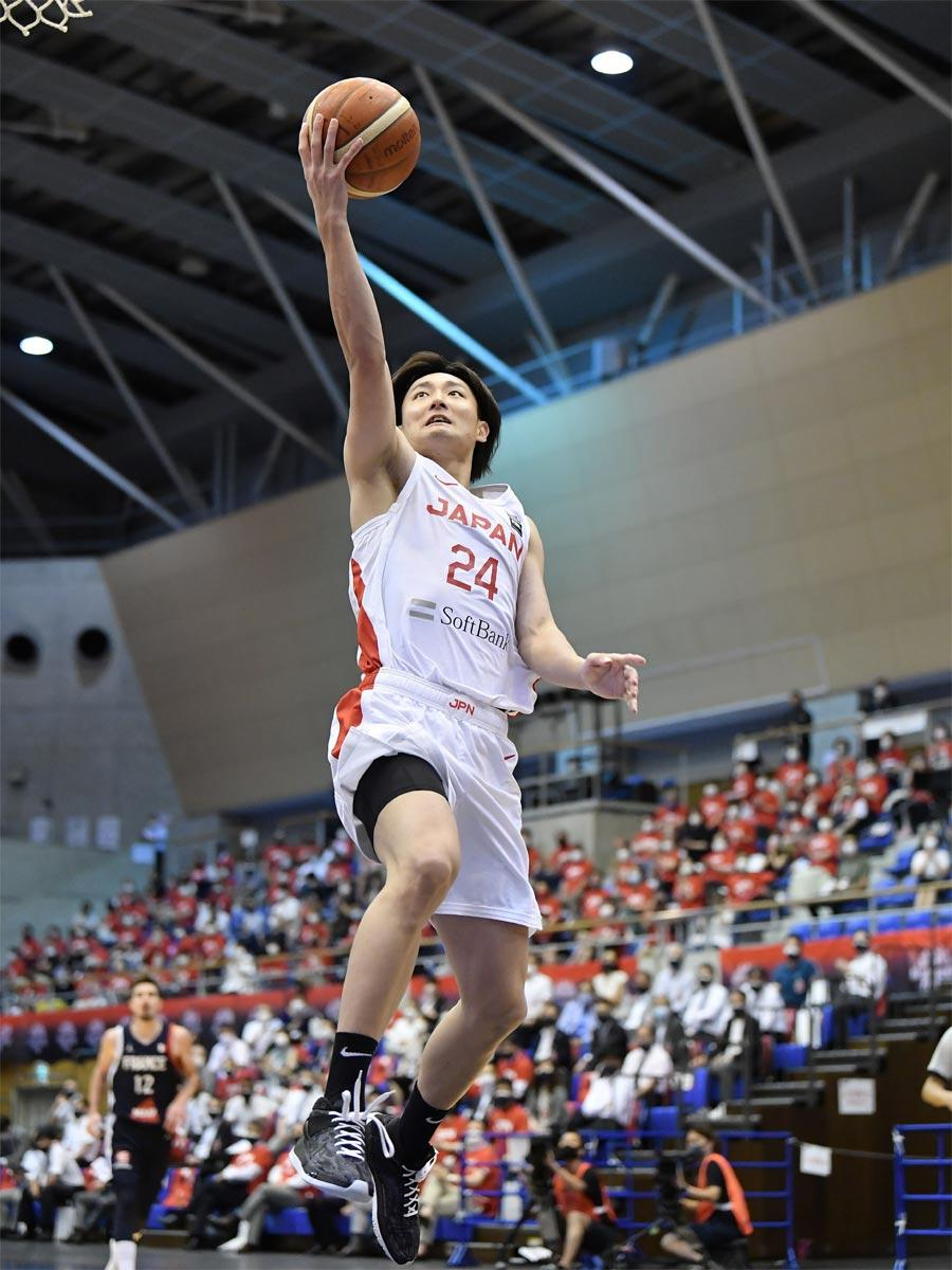 後半序盤にレイアップシュートを決めた田中大貴選手©JBA