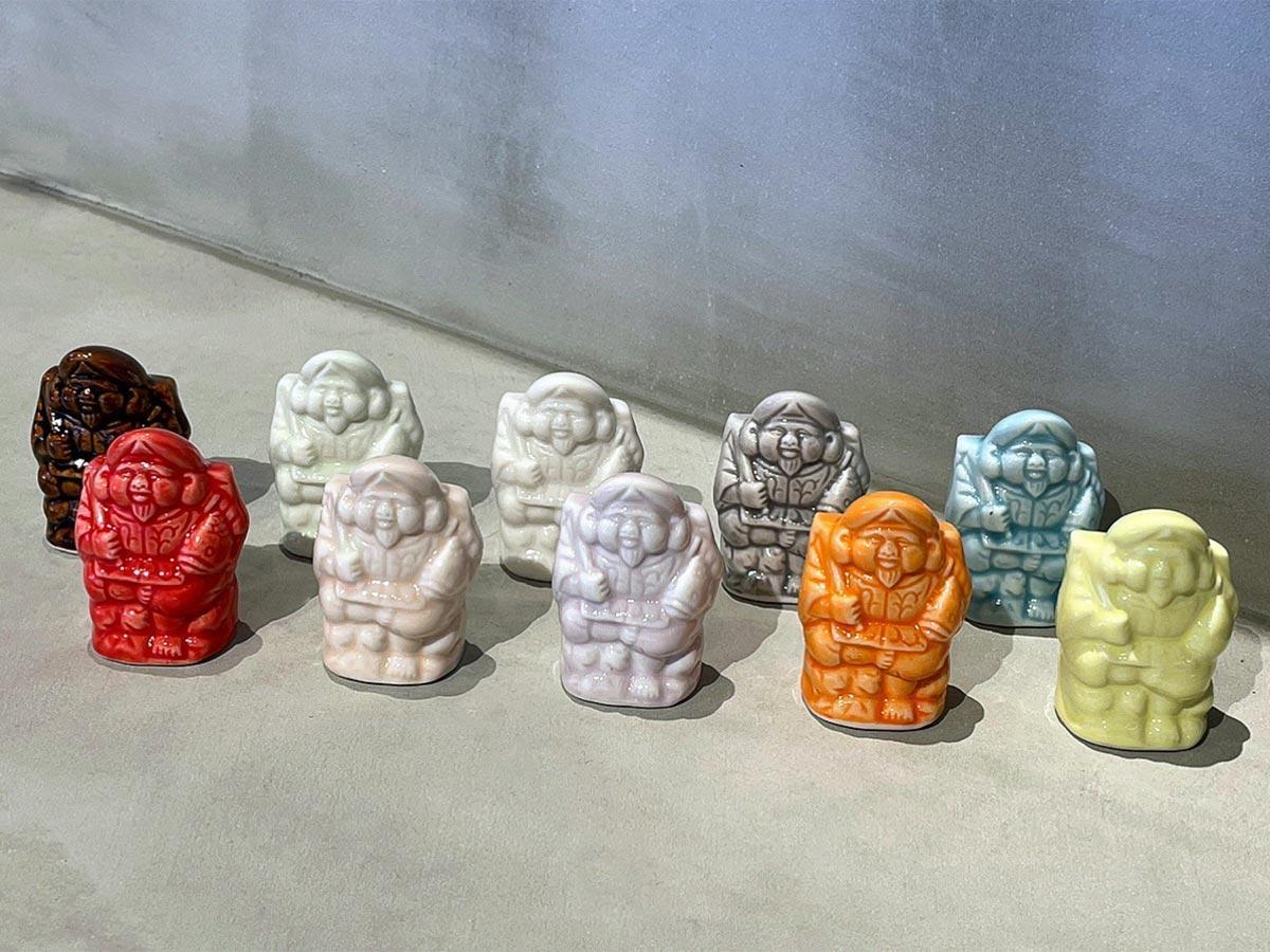 水晶を含んだ釉薬(うわぐすり)を使った10色の美濃焼陶器「ゑびす像」