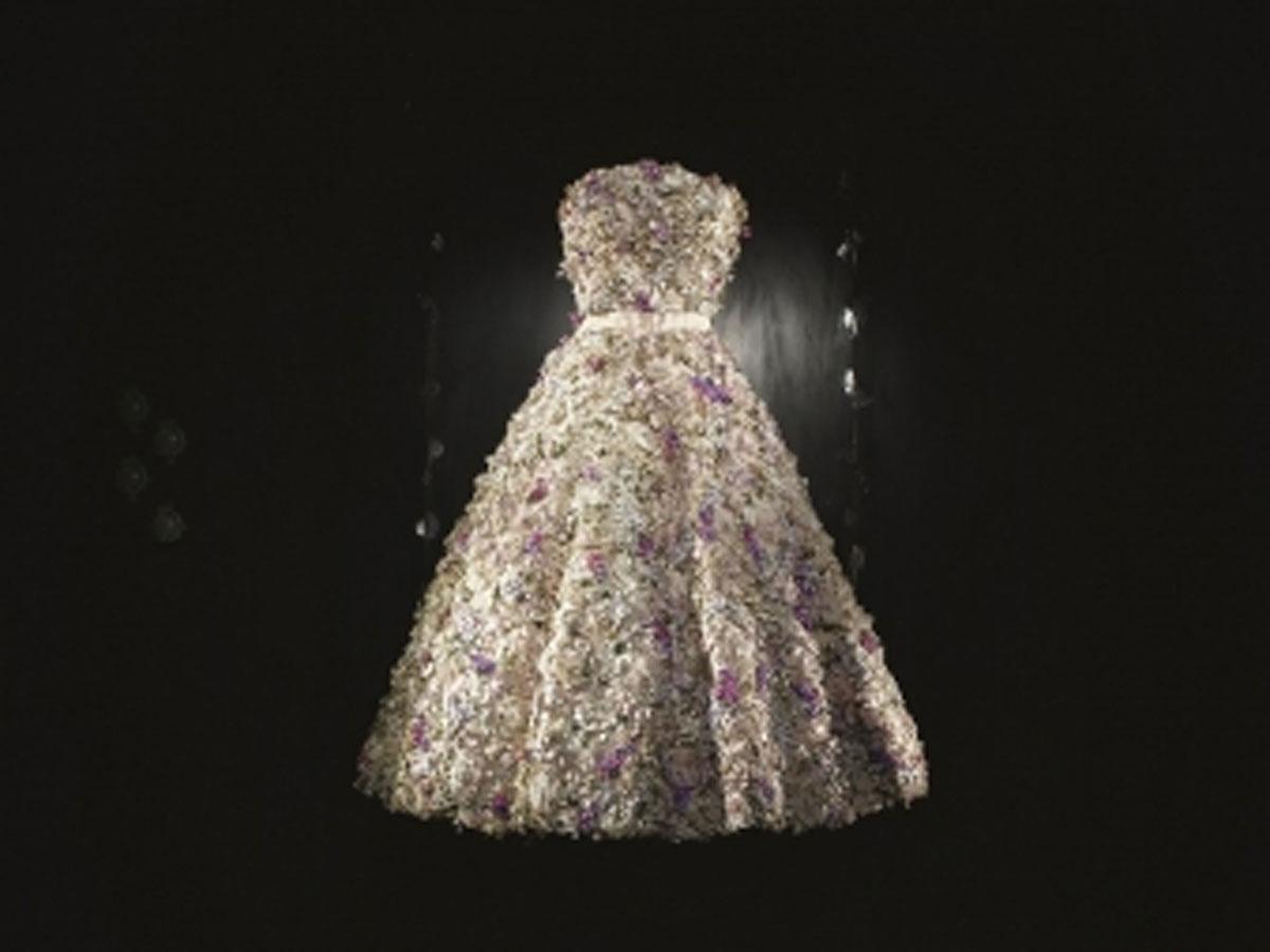 huge selection of 75d1f 30542 1949年の「ミス ディオール ドレス」 - シブヤ経済新聞