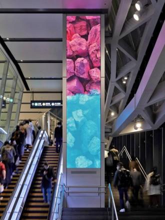 渋谷スクランブルスクエアに大友克洋さんが原画・制作監修したデジタルアート