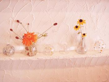 9月の展示から。ガラス作家、吉岡妙子さんの作品。