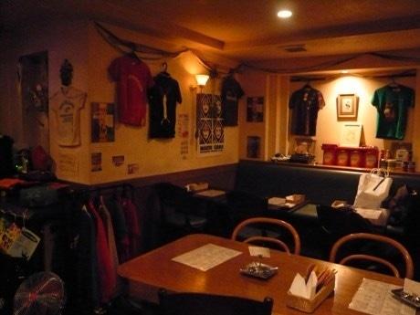 アメリカンスタイルの店内で「お江戸企画」が開催される。