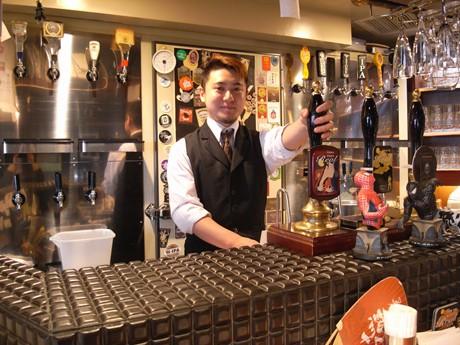 店内には、たくさんのビールサーバーが並んでいる