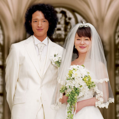 主人公の長島千恵役を演じる貫地谷しほりさん(写真右)と、恋人の赤須太郎役は渡部豪太さん(写真左)