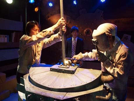 前回公演「オマエの時間くれよ」の舞台写真(撮影:高木美里)