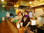 下北沢に定食居酒屋「山角」-同年生まれの女性3人が開店
