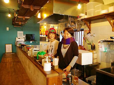 共同経営者の平井さん(左)と松岡さん