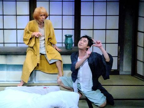 名古屋公演(2011年)の舞台写真(撮影=山崎のりあき)