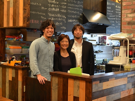 左から、長山ゼミの池田さん、ライフデザインの阿部さん、岡野さん