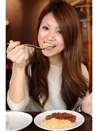 「下北沢カレーフェスティバル2013 ミスカレー」グランプリのみーちゃんさん