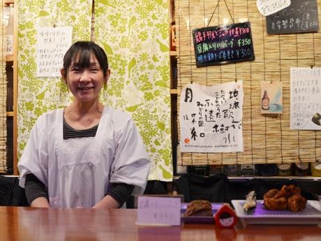 下北沢に「おむすびSUN CAFE」-ガールズバーの営業時間外にランチ営業