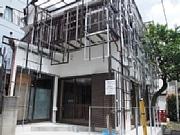 下北沢の焼き鳥店が駅前食品市場から移転 新店舗は隈研吾さんがデザイン