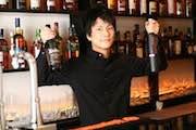 下北沢で200種以上の酒を提供するバー  20歳店長が経営