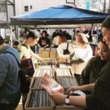 下北沢で「東京レコードマーケット」 曽我部恵一さん、MUROさんらのフリマも