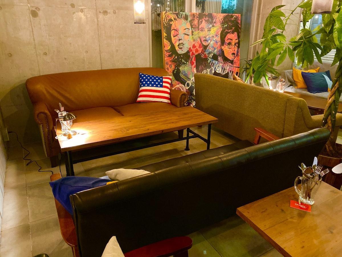「cafe garage Dogberry」の店内