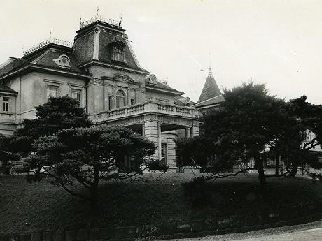 1953年開業当時のグランドプリンスホテル高輪。当時は「品川プリンスホテル」という名称であった。
