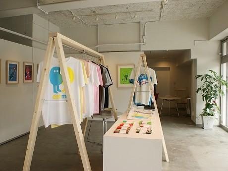 ギャラリー「ART ONION」で6月19日よりアパレルブランド「Publik:」の国内初となる展覧会「PUBLIK: VIEWING」が始まった。
