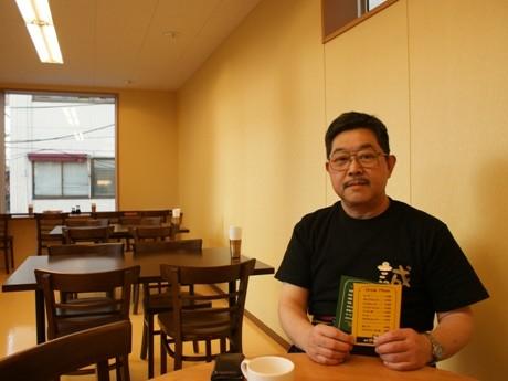 日本フランス料理技術組合の理事でもある本間誠さん。「過去に、帝国ホテルで有名な村上シェフにカレーを褒めてもらったことがあり、カレーには自信がある」と話す。
