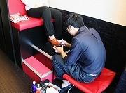 田町に靴磨き専門店-カフェ風店内で昭和のイメージ払しょく