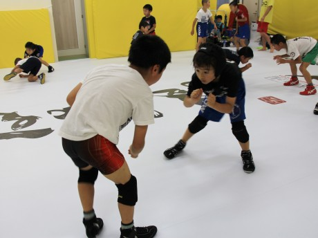 トレーニングに励む生徒