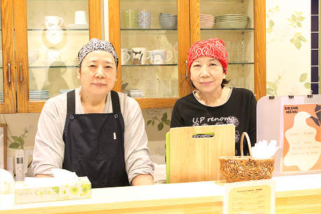 店主の山谷さんと妹の正田さん