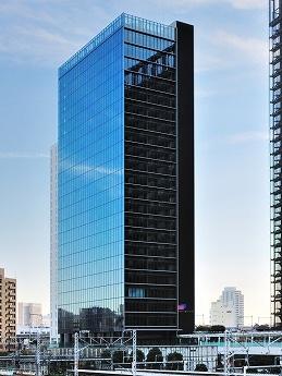 大崎駅から歩行者デッキで3階部分に直結