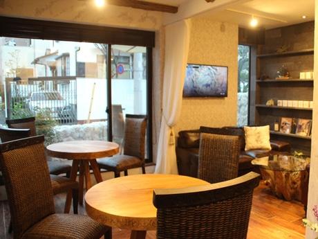 「KD cafe&bar」の店内