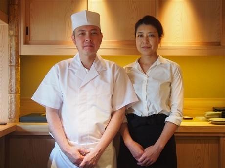 店主の加藤さん(左)とスタッフの嘉藤牧子さんは前職からの仲間