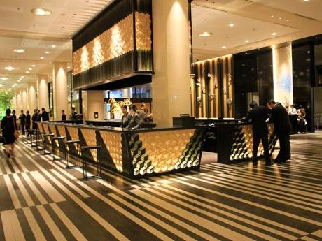 「グランドプリンスホテル新高輪」フロントカウンター