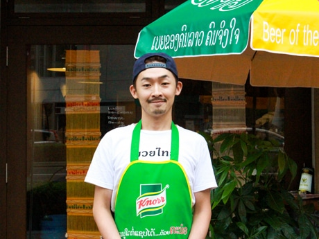 「バンコク食堂 ポーモンコン」店長の土谷栄一さん