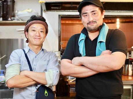 オーナーの平山恵介さん(左)と店長の宮川龍太さん