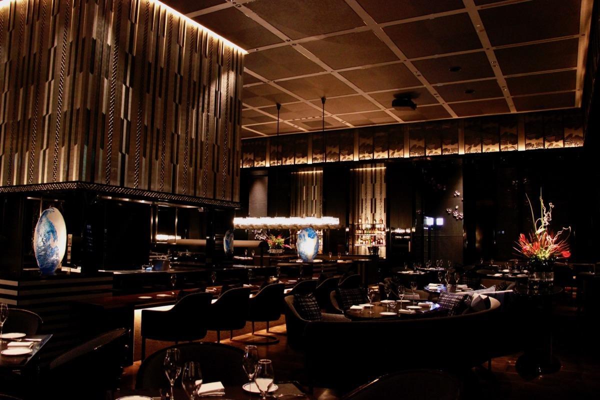 「TABLE 9 TOKYO」内中央に位置する「TOKYO FUSION DINING」