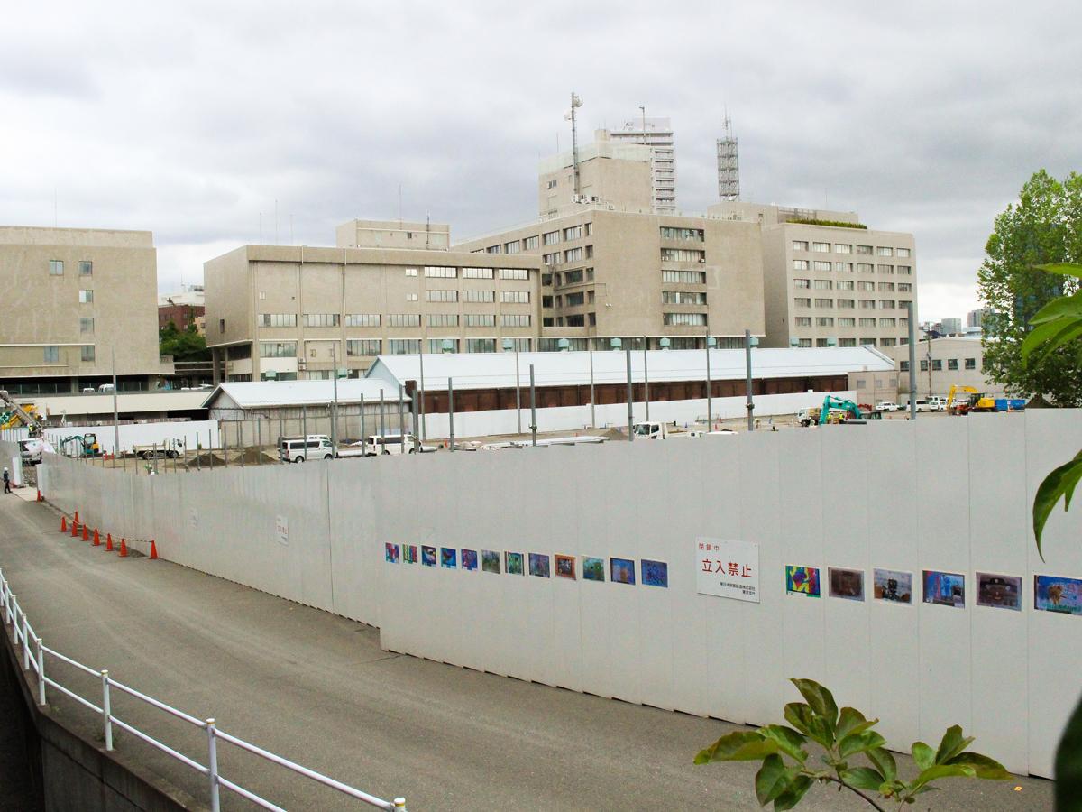 「スポル」建設予定地。奥に見えるのは品川区役所
