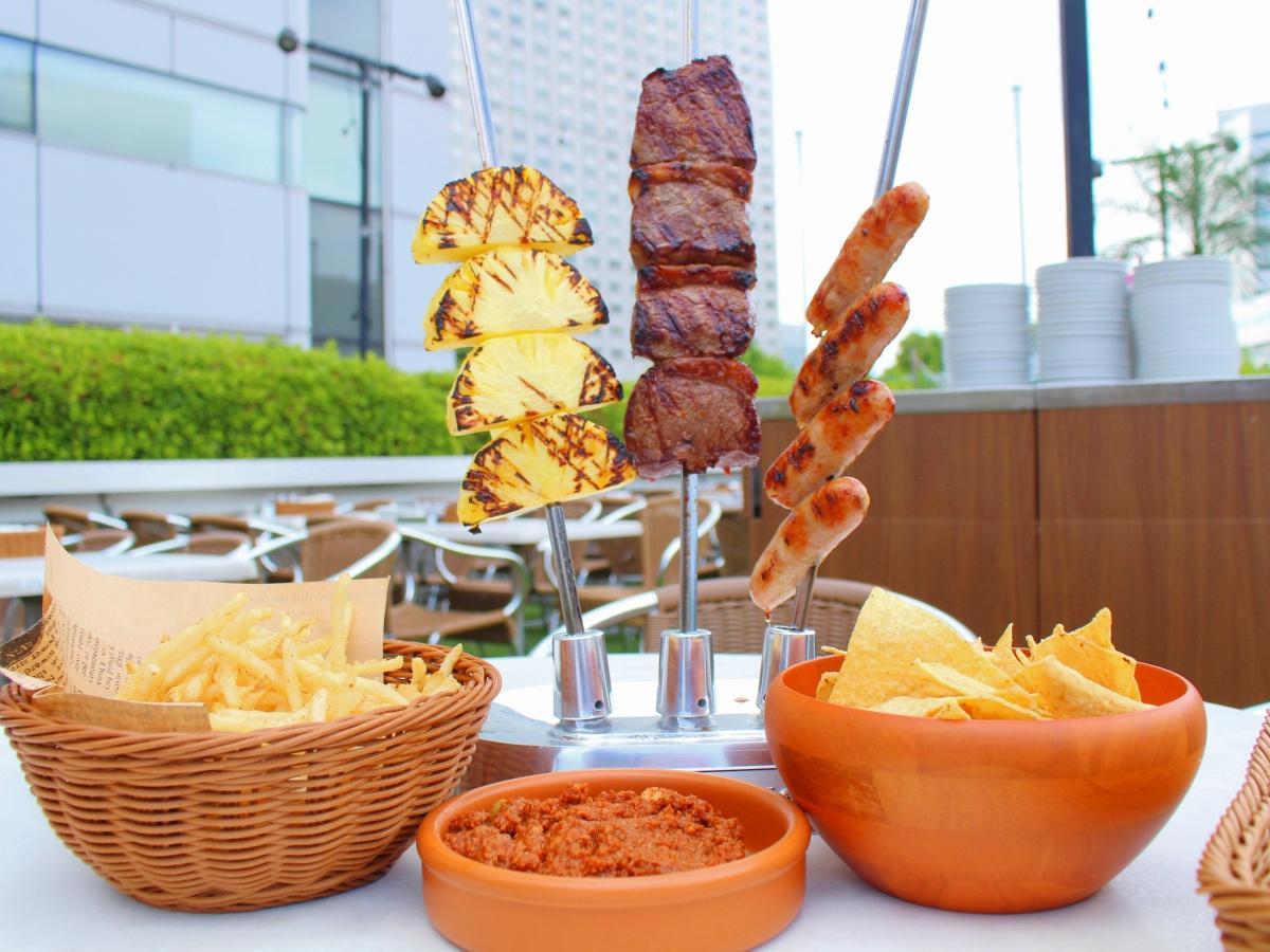 「Brazilian Barbecue Course(ブラジリアンバーベキューコース)」(4,000円)の一部