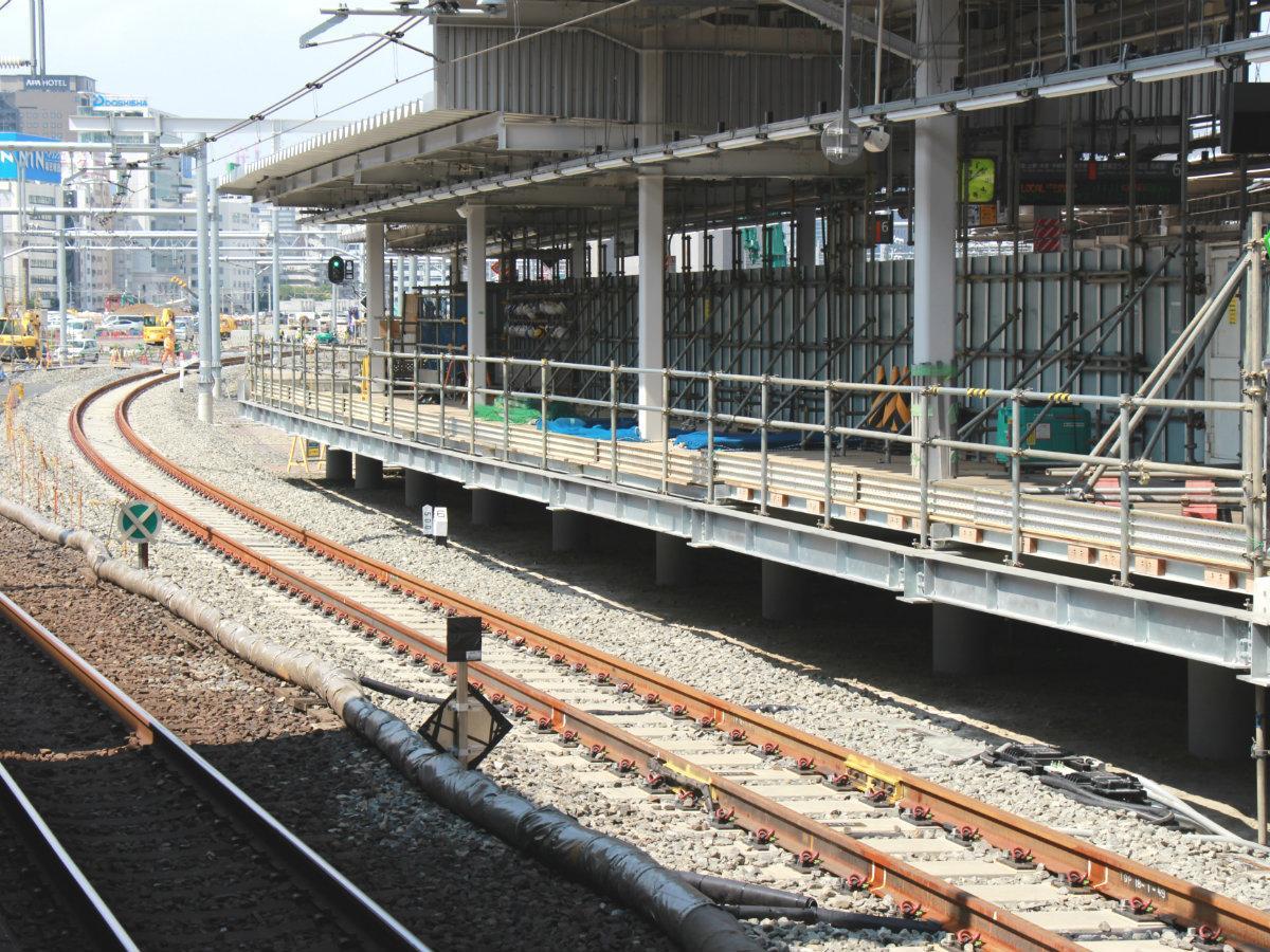 新たに京浜東北線(横浜・大船方面)を移設する5番線ホーム