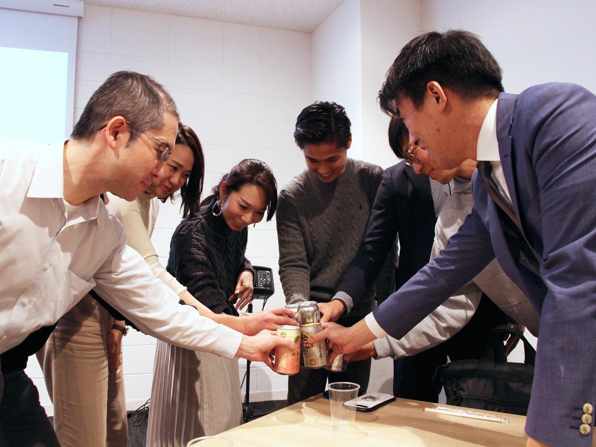 五反田バレー会員企業が交流会で乾杯