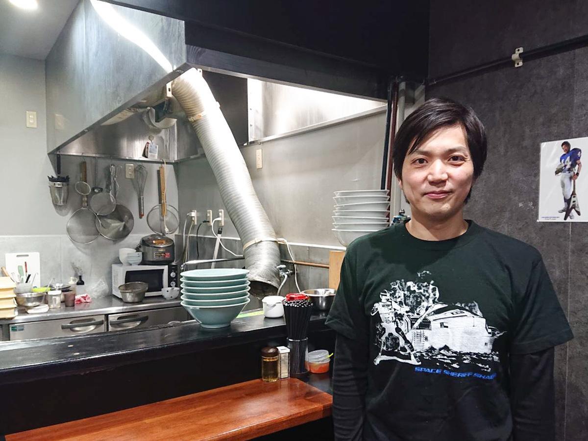 「円谷さんに感謝を伝えたい」と話す店主の橋田さん