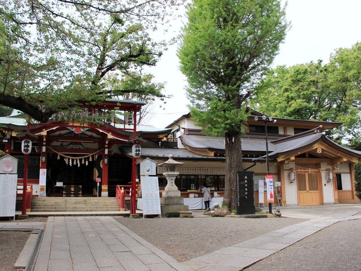 居木神社の境内
