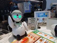 モスバーガー大崎店に「ゆっくりレジ」 外出困難者が分身ロボットを遠隔操作