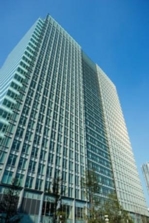 浜松町駅近く汐留南エリアに複合ビル、飲食フロアーも(写真=外観)
